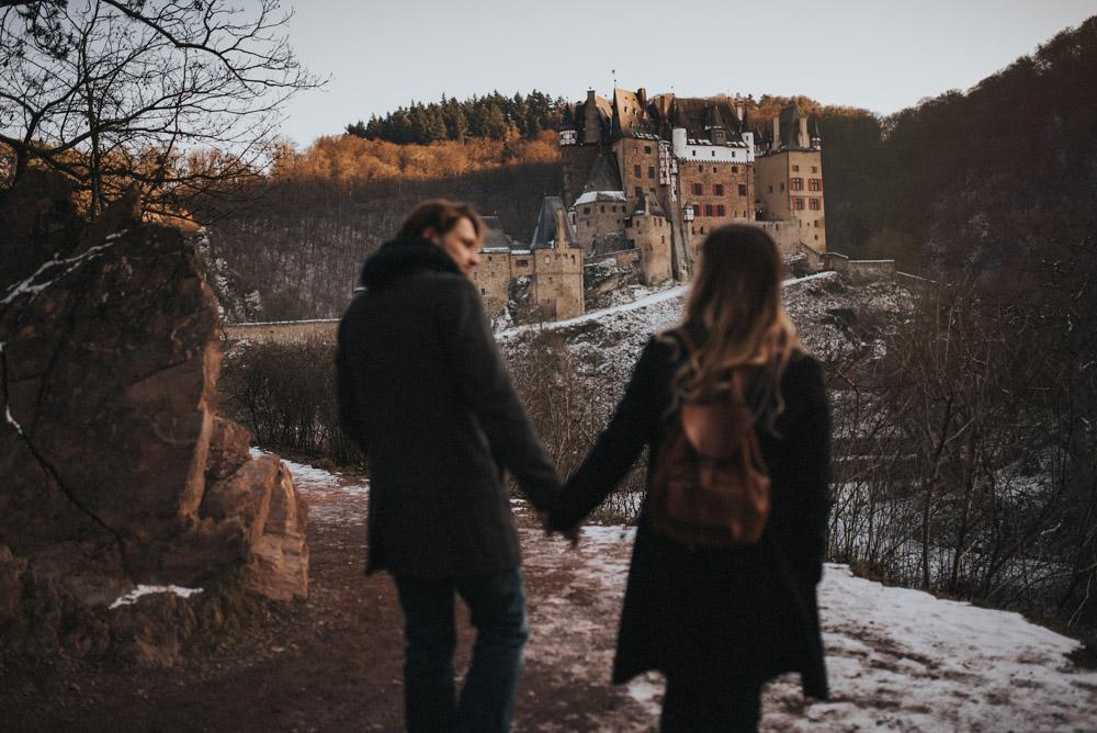 Paarshooting Burg Eltz Hochzeitsfotograf Koblenz