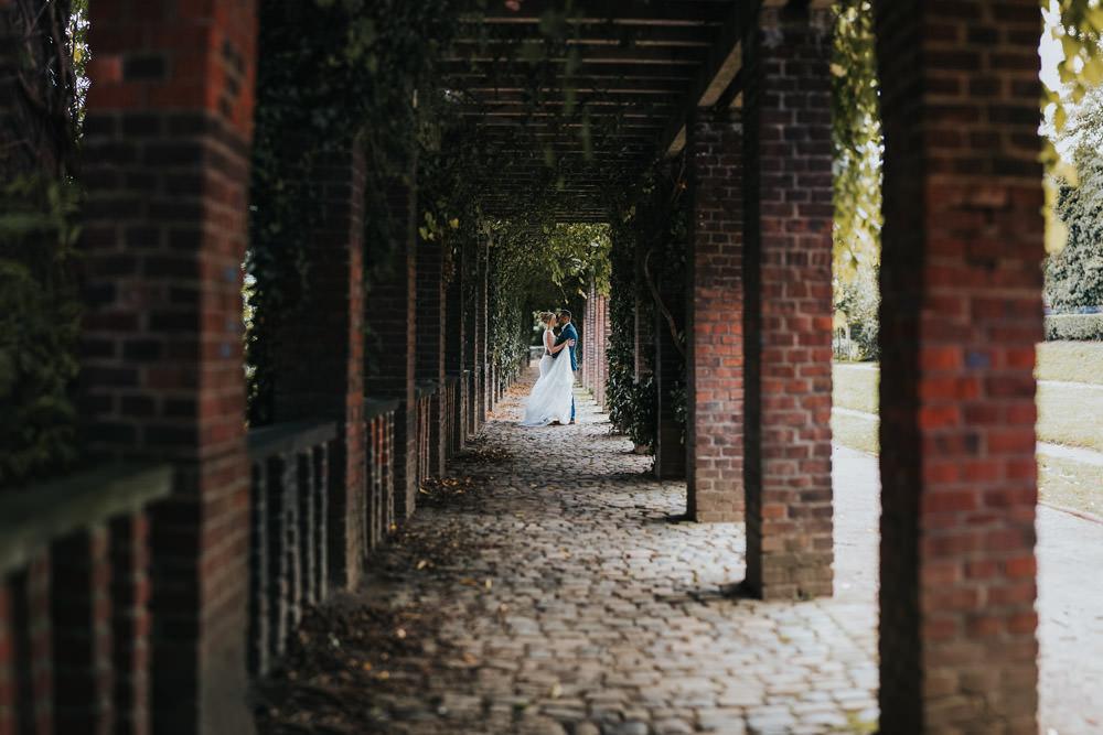 Brautpaarshooting im Friedenspark Köln