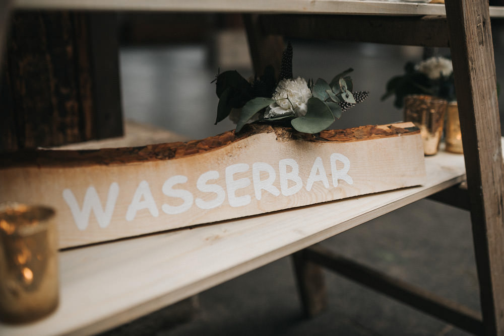 Gare Du Neuss Düsseldorf Hochzeit Hochzeitsfotograf Wasserbar