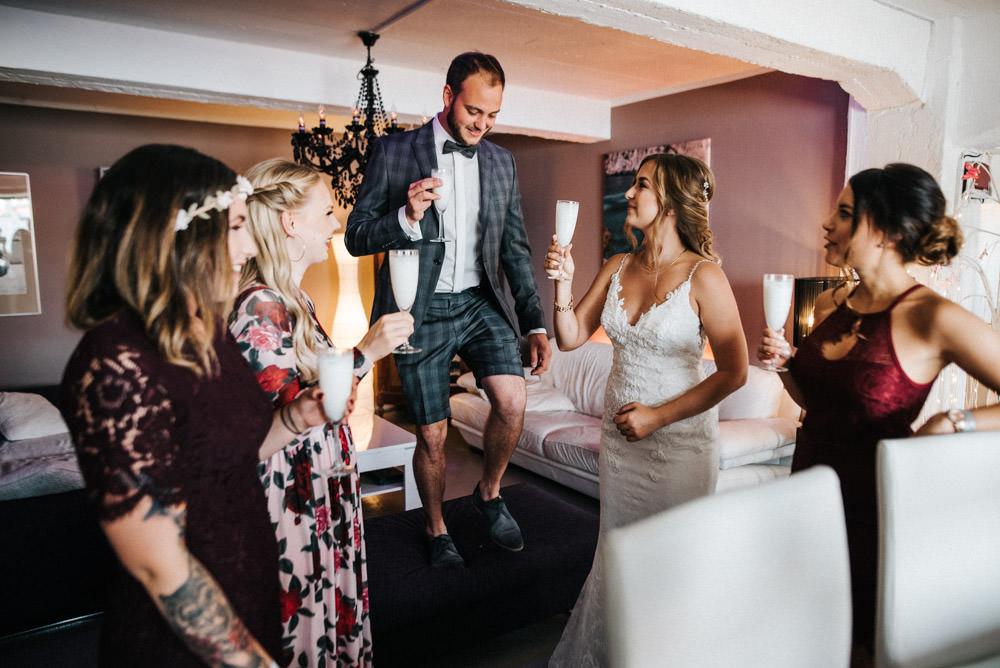 Urbane Hochzeit Odonien Getting Ready