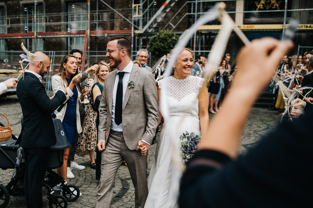 Brautpaar Spalier Düsseldorf Hochzeit